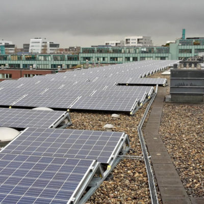 zonnepanelen op de Entrepotbrugflat
